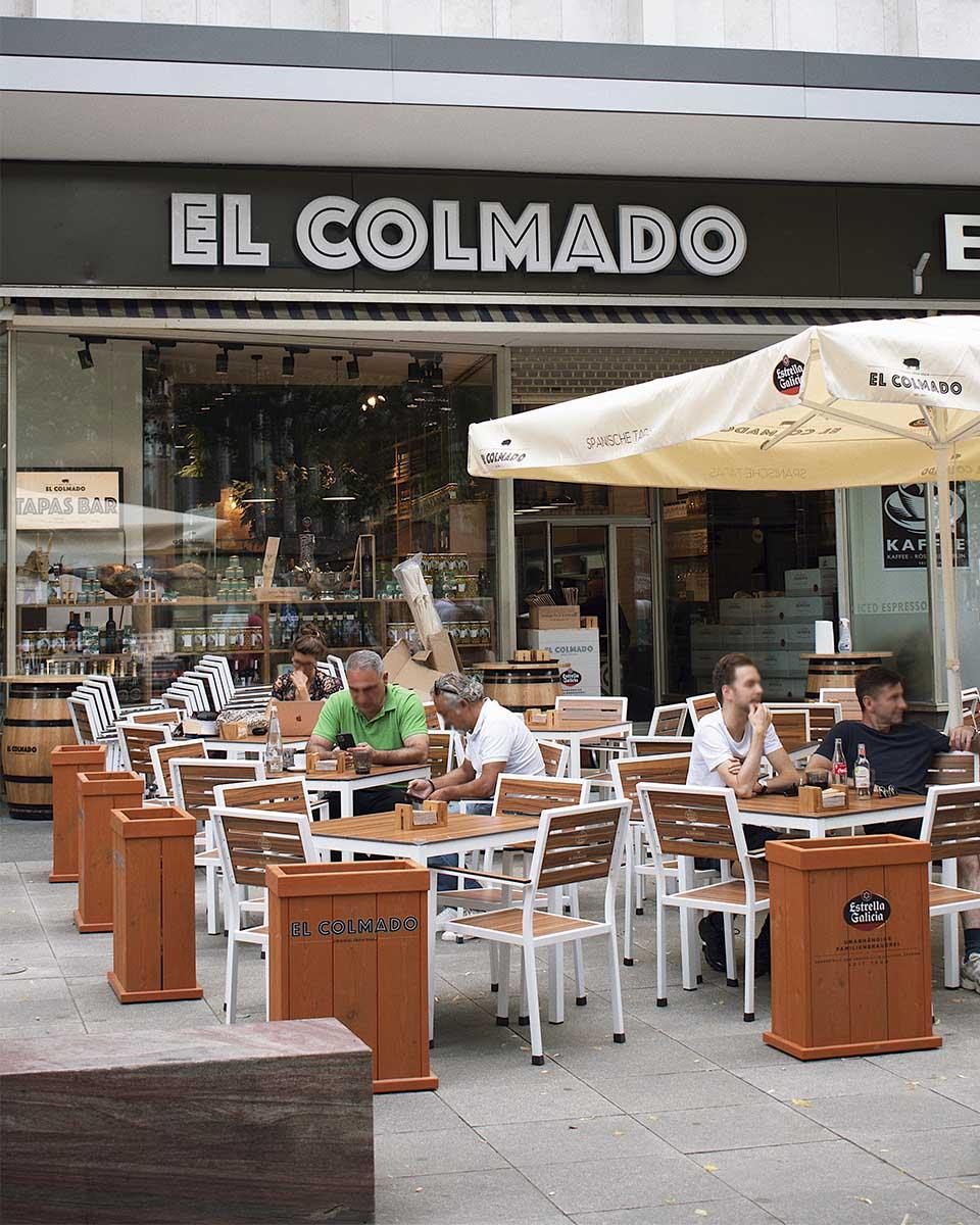 RESERVAR MESA EN KUDAMM | Se puede reservar mesa en la terraza.